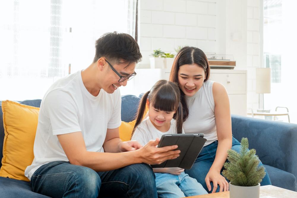 family using lumosity family plans